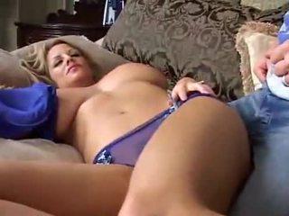 Turu big breasted mom aku wis dhemen jancok