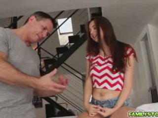 Elektra masazh të saj hap baba