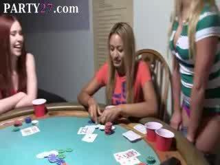 Laska babes pieprzenie na poker noc