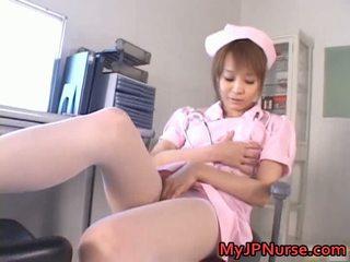 Děsivý asijské zdravotní sestra has hračka penetration