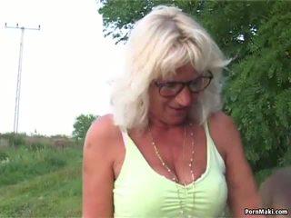 Granny Outdoor Sex: Granny Sex Porn Video 6e