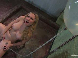 アナル antics aiden starr fucks 彼女の 自分の 尻 とともに water1