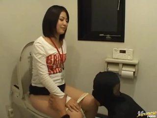 الآسيوية فتاة غير مارس الجنس حسنا