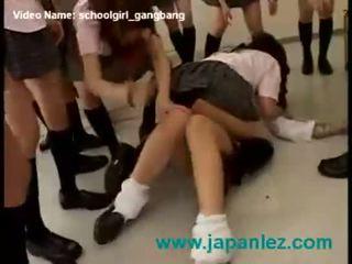 Jepang sekolah gadis seks dengan banyak pria kekuatan initiation