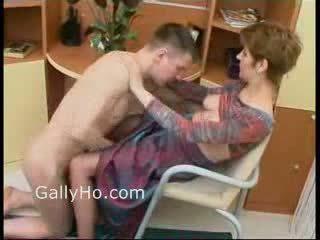Anya kényszerű hogy fasz neki fiú