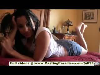 Abella anderson amatoriale latina giovanissima ragazza con grande culo doing colpo