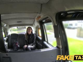 Faketaxi żona zestaw w górę na taxi pieprzenie