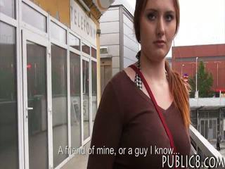 Besar payudara ceko gadis kacau di bis berhenti untuk beberapa uang