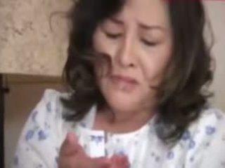 Japanesebbw eldre mor og ikke henne sønn