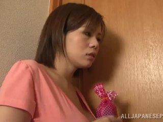 Bigtitted 아시아의 엄마 lets 그녀의 hubby 놀이 섹스 경기 포르노를 경기 함께 가까운 로 그녀의 짜릿한 가슴
