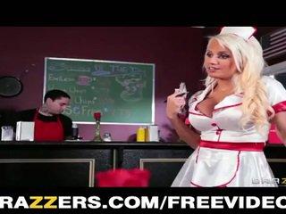 Empregada de mesa jacky joy é em o lunch menu