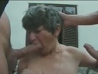 GERMAN GRANNY WITH GREY HAIR TAKE A DOUBLE PENETRATION