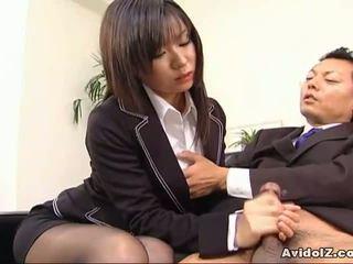 Sexy sekretárka satomi maeno sucks an škaredé kokot!