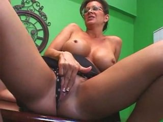 Mommy is fucking while her daughter watching