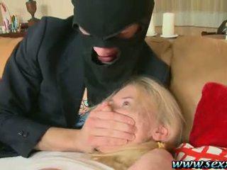 Ein mädchen und two pervertiert thieves