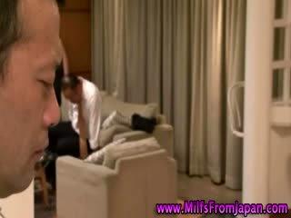 Ιαπωνικό μητέρα που θα ήθελα να γαμήσω νοικοκυρά getting αυτό επί