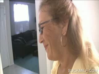 Mama ir pupytė čiulpimas a dong