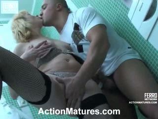Emilia un nicholas seksuāls elder process