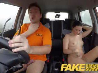 réalité, voiture sexe, baisers