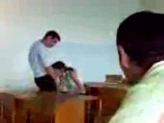 Azeri students 公共 フェラチオ