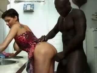 큰 아름다운 여자 france 주부 haviing 섹스 와 아프리카의 수탉 비디오