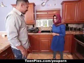 Teenpies - muslim mergaitė praises ah-laong bybis