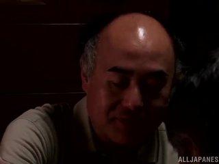 Yui hatano gives yang comel jilat kepada beberapa elderly bloke
