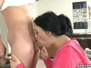 Busty darling loves blowjob