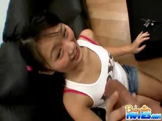 角質 小さな ベビーシッター evelyn shows オフ 彼女の 尻 と fingers 深い