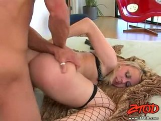 Hawt netted স্বর্ণকেশী annette schwarz getting pounded উপর তার sugary সুদৃশ্য slit