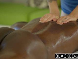 Blacked đẹp cô gái tóc vàng karla kush loves massaging bbc