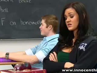 Innocenthigh bigtits ученичка kendall karson прецака възбуден classmate