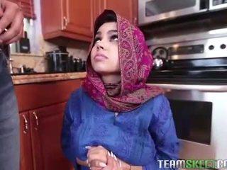 Arab teismeline ada gets a warm tussu cream