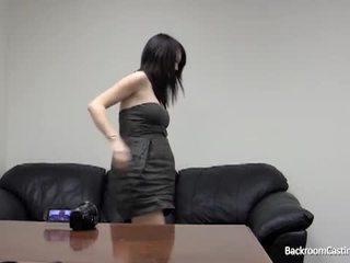 Rase tüdruk perse perses poolt fake osade andmine agent