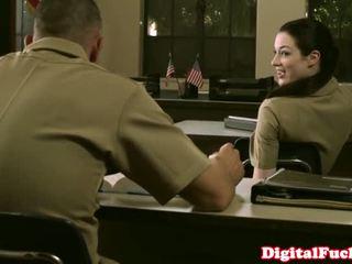 小柄な 軍事的 ベイブ stoya オフィス demands 経口 から プライベート