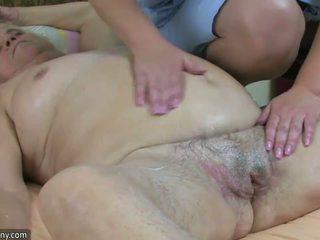 Gros ronde vieille avoir sexe avec potelée mature et gode ceinture hardcore