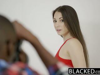 Blacked násťročné alexis rodriguez s perfektné zadok loves bbc