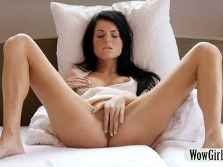 Cantik rumaja prawan margot finger fucks and masturbates with a dildo