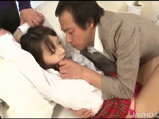Asyano gal gives Mainit blow