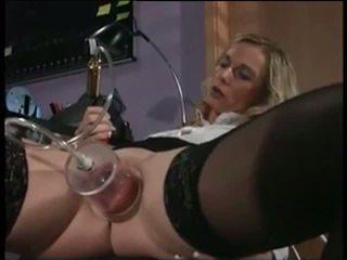 Meine sexy piercings krankenschwester mit pierced pumped muschi sex