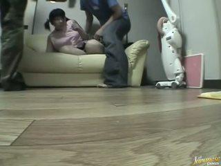 사악한 gangbanging 용 a 과 복종하는 아기