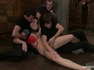 Aria aspen has her bokong hole used in gang bang performance