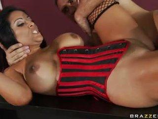 Kiara mia receives pounded hasta su moist rosa taco