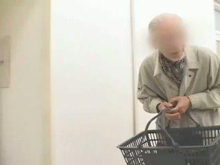 Dögös japán bevállalós anyuka hitomi tanaka used -ban nyilvános