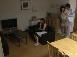 Jepang remaja takes sebuah kontol