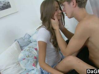 Muda beauty gets dia pertama ejakulasi di wajah pernah