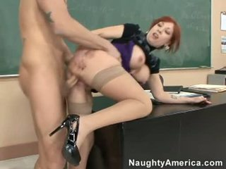 Brittany oconnell getting pounded บน เธอ หลัง doggyway