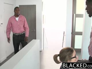 Blacked pusaudze trijatā ar two monstrs dicks
