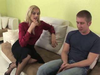 Seductive blonde MILF gives fantastic blowjob