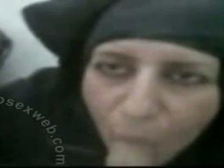 Hijabi matang arab tamparan kerja